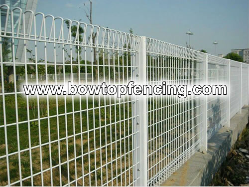 Roll Top Fence with Nice Appearance